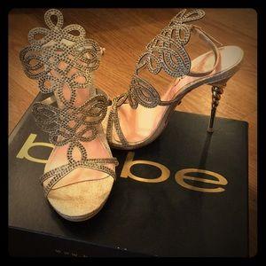 Delja jewel gold sandal heels size 6